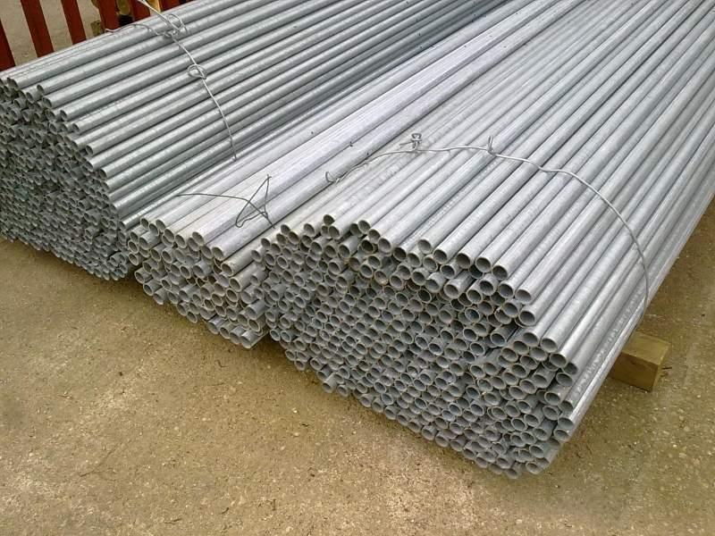 ravenna-rimini-montaggio-pali-zincati-recinzioni