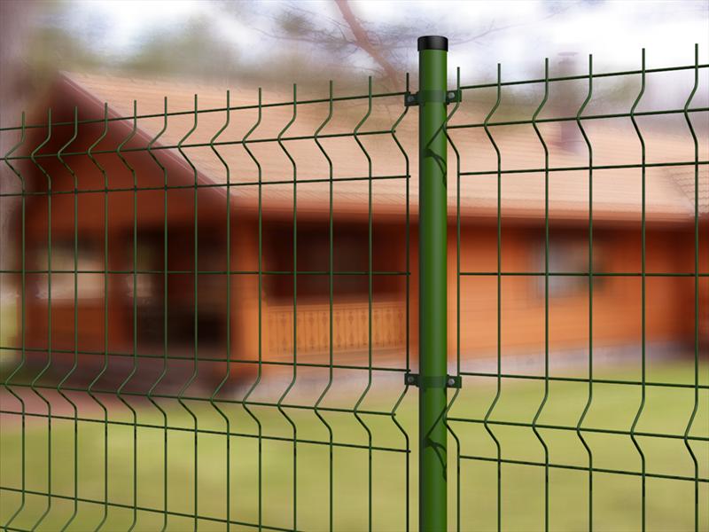montaggio-pali-plastificati-recinzioni-prato-grosseto
