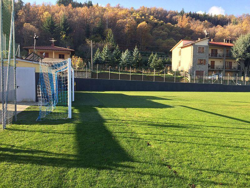 installazione-recinzioni-sicurezza-impianti-sportivi-prato