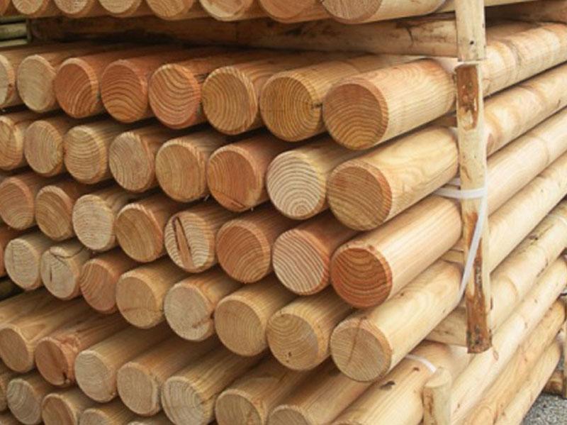 pali-legno-trattati-acciaio-cor-ten-rimini